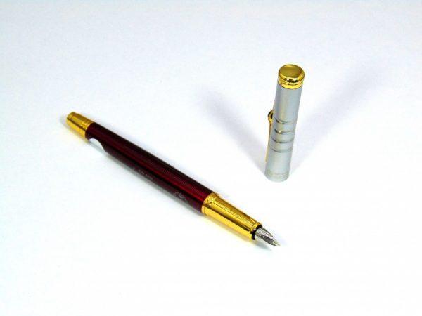 Bút mài thầy Ánh là sản phẩm tốt dùng trong việc luyện chữ đẹp cho trẻ
