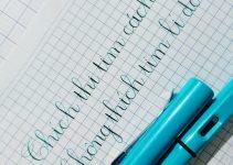 dạy bé cách cầm bút