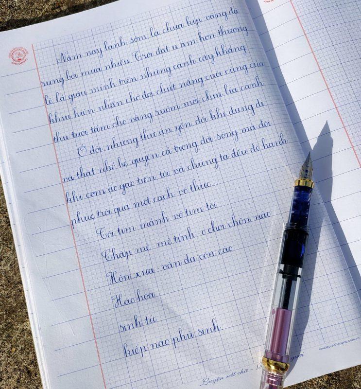 bút viết chữ đẹp