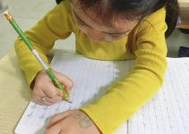 Tự luyện chữ đẹp cho bé