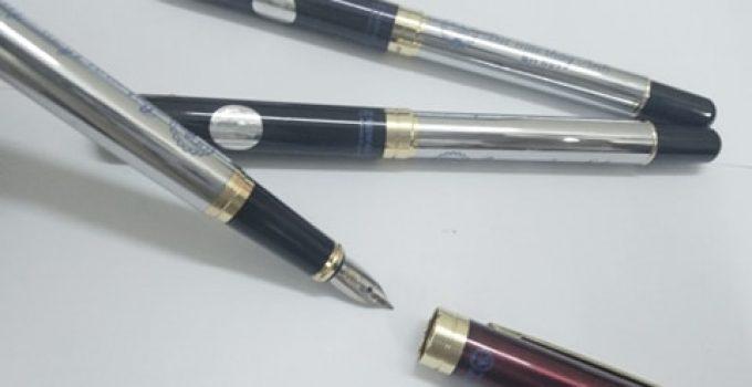 Cách tháo ngòi bút máy